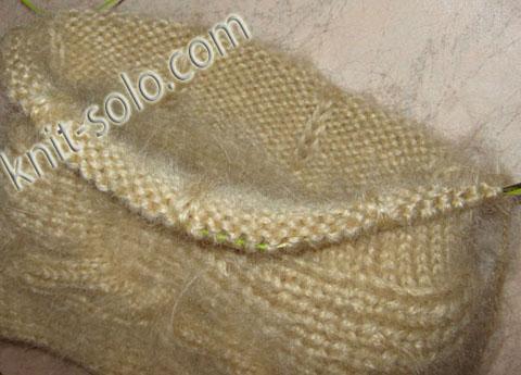 Теплая зимняя шапочка спицами