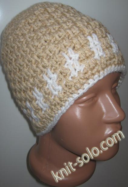Вязаная крючком женская бежевая шапочка